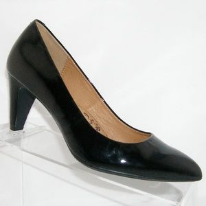 Sofft 'Tevin' black patent leather heels 6M